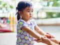 Pengaruh dari menyalahkan benda bagi masa depan anak