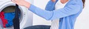 Cara mencegah bau pada pakaian saat musim hujan