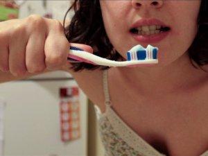 Mencegah mual saat sikat gigi